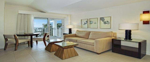 ocean-vista-one-bedroom-suite-3_home_header_image